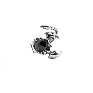 Anello in acciaio con scorpione e pietra nera